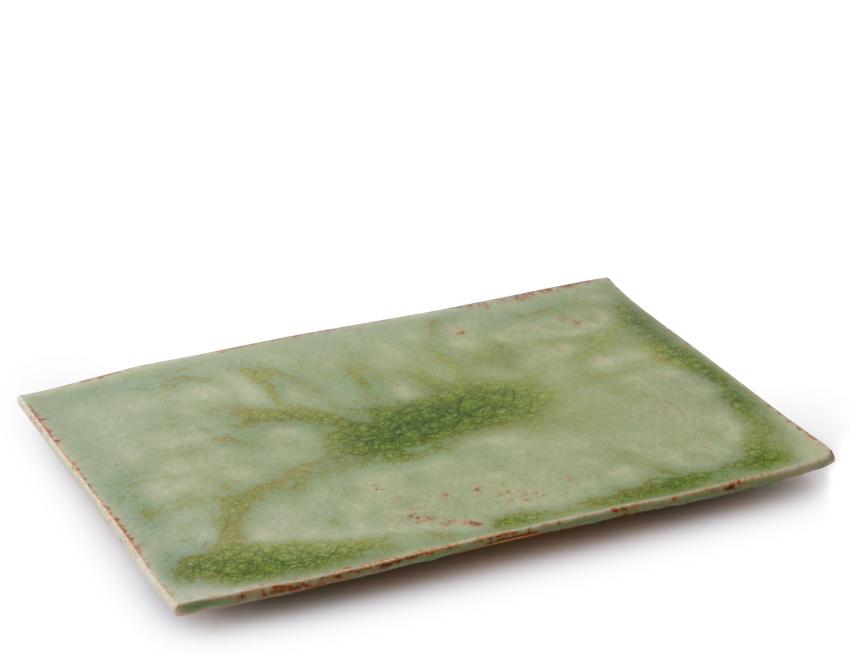 緑伊良保 板皿 25.5cm × 17.0cm