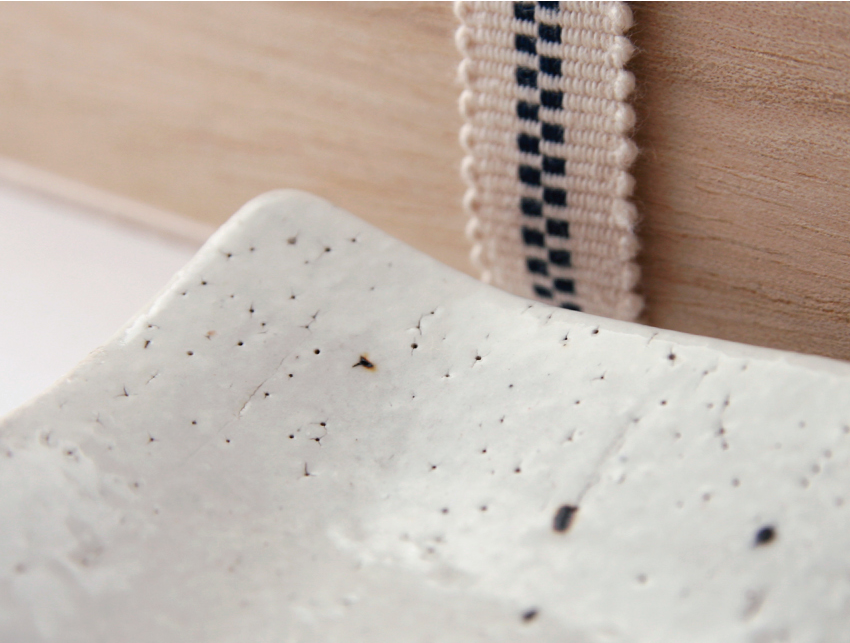 白萩 - 正角皿 桐箱