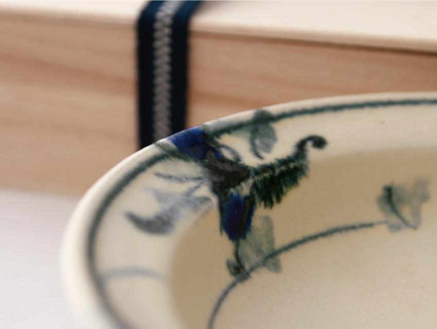 呉須絵 - 丸皿 桐箱
