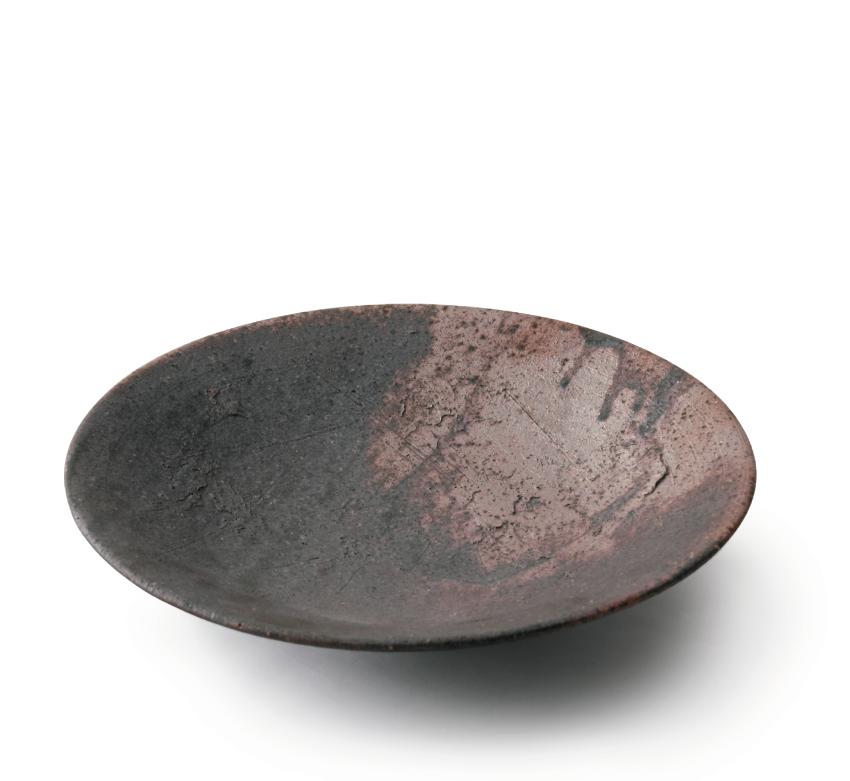 黒灰 丸皿 21.5cm
